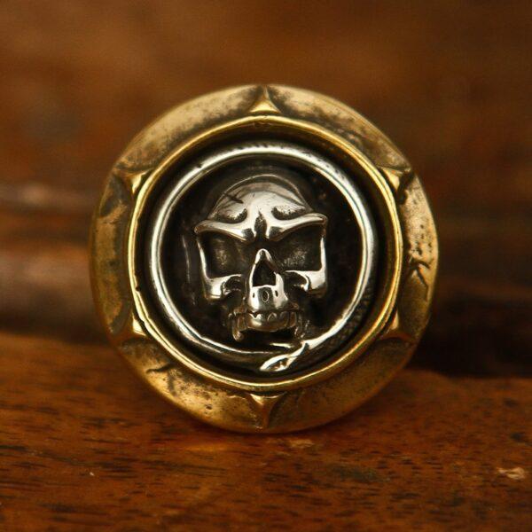 Nút trang trí rắn bọc đầu lâu - đồng